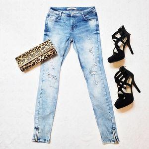 Zara Trafaluc   Distressed Skinny/ Ankle Jeans